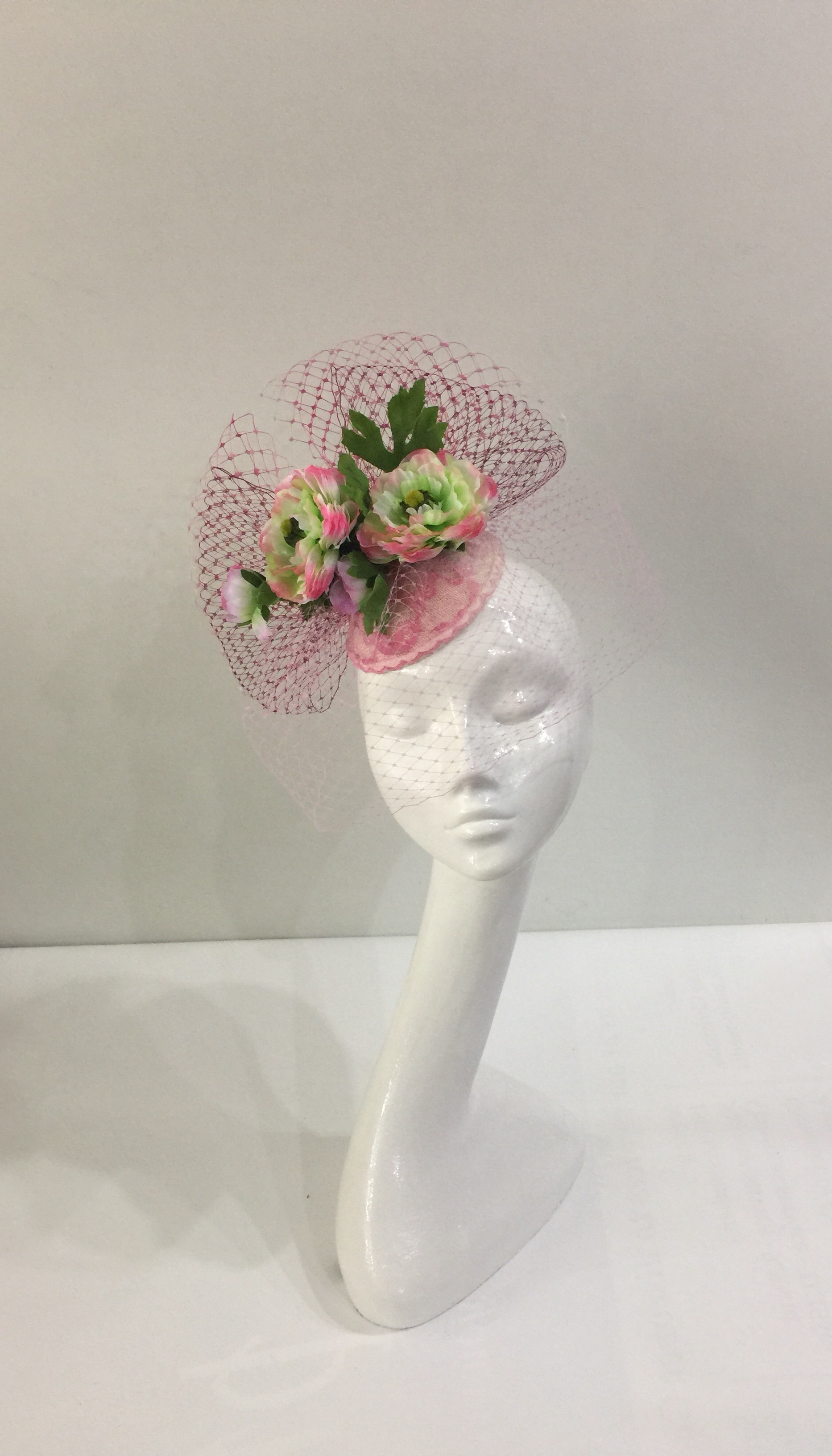 8b56d192 Pink fascinator with cerise and green flower | Races Hats, Wedding ...